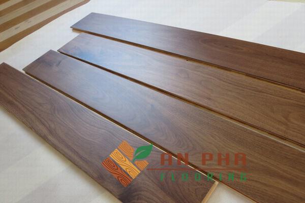 sàn gỗ óc chó tự nhiên