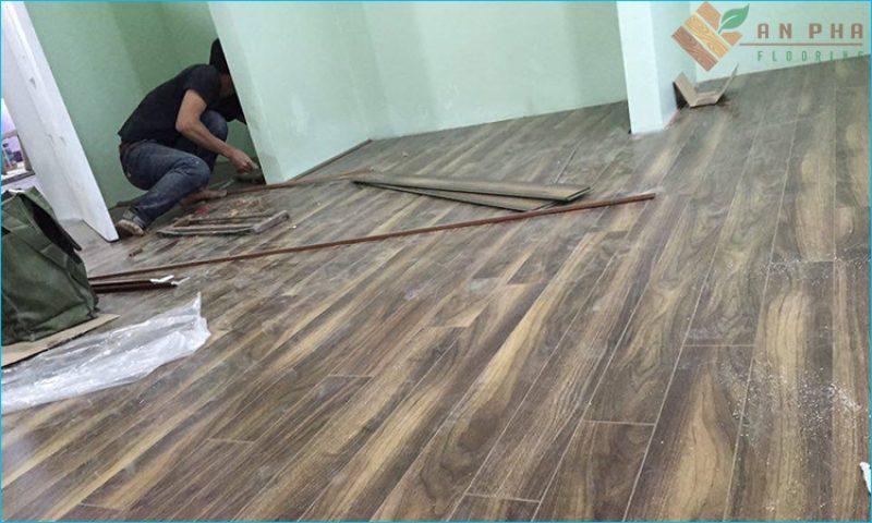 Đội ngủ thi công sàn gỗ - Sàn gỗ An Pha